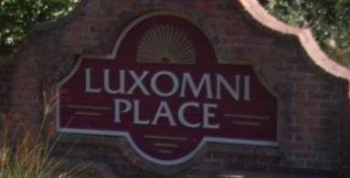Luxomni Place