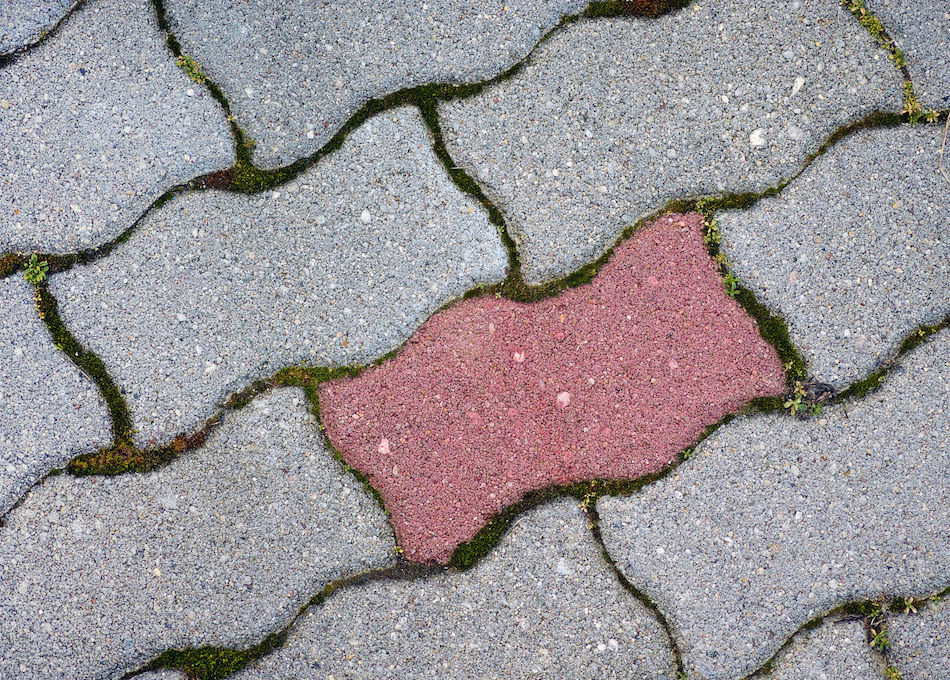 What's the Benefit of Choosing a Pavestone Over a Concrete Driveway?