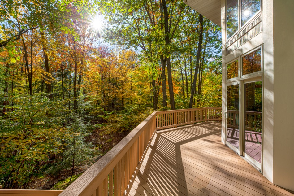 Installing a Deck In Your Home? Tips to Help