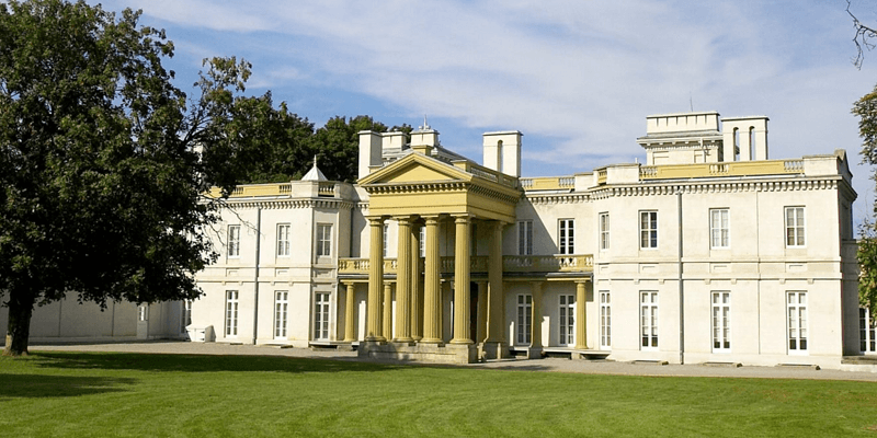 Things to do dundurn castle hamilton ontario