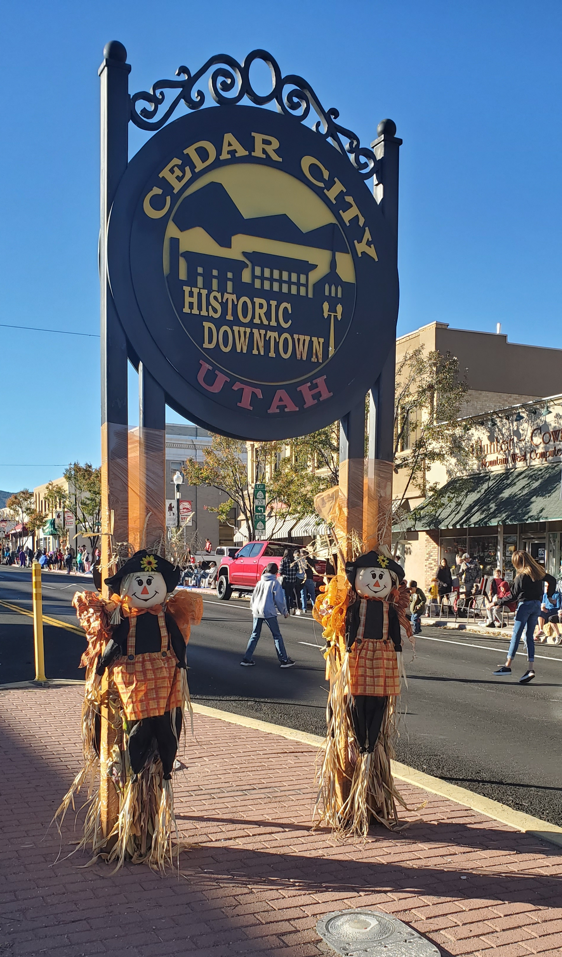 Cedar City Historic Main Street sign and parade crowd