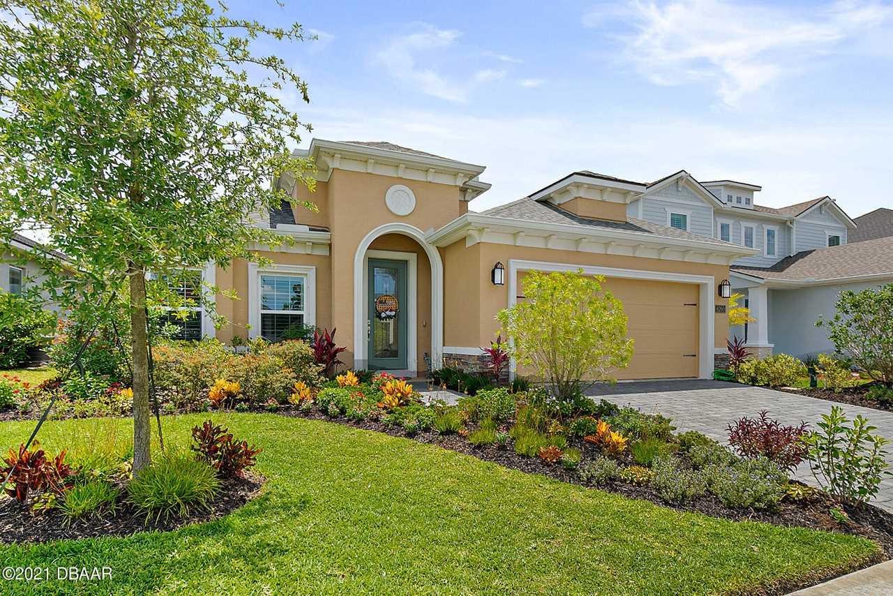 photo of a florida home
