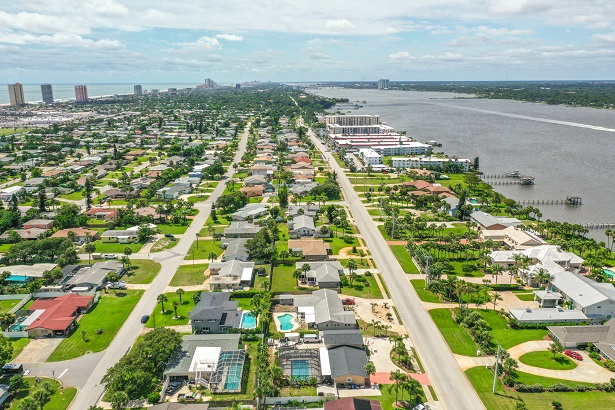 aerial photo of riverfront neighborhood in Daytona Beach, FL
