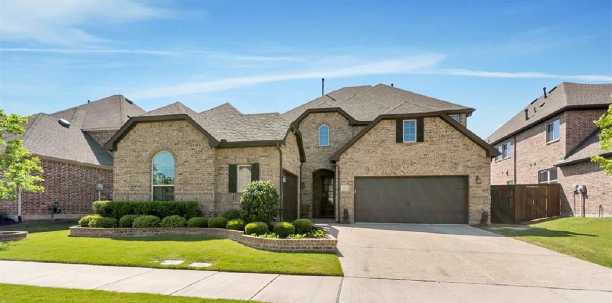 Grapevine Three Car Garage Home for Sale