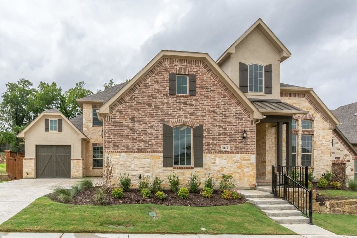 Three car garage home in the Grapevine-Colleyville School District