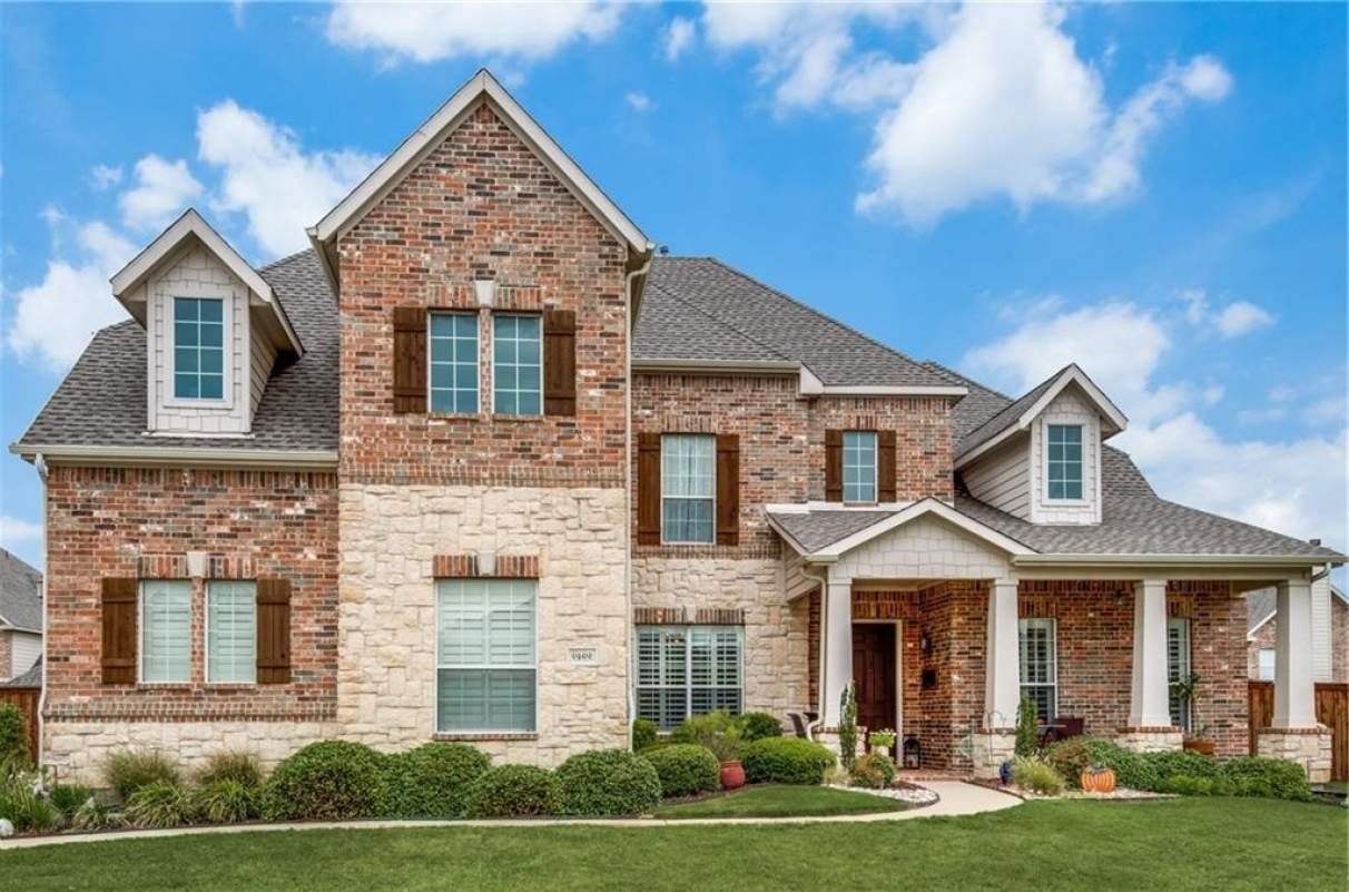 Five bedroom home for sale in Ft. Worth, TX