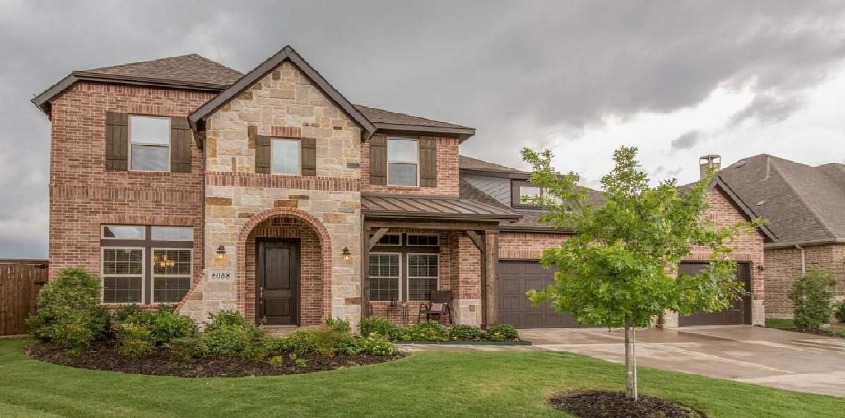 Three car garage home for sale in the Alliance area, TX