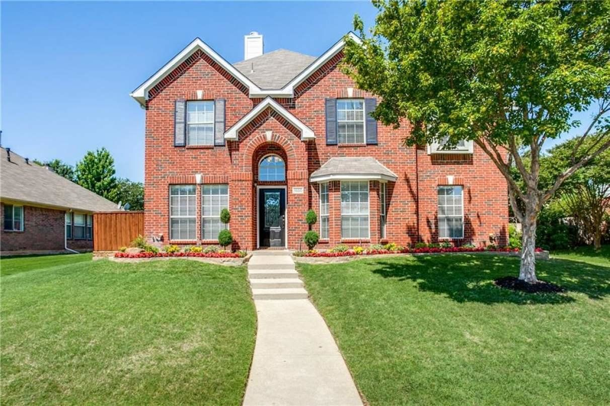Five bedroom home for sale in North Richland Hills TX