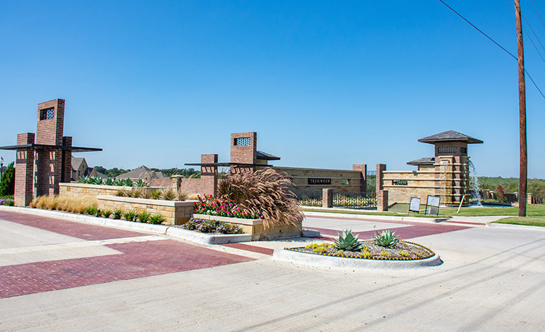 Flower Mound's Trailwood Neighborbood Entrance