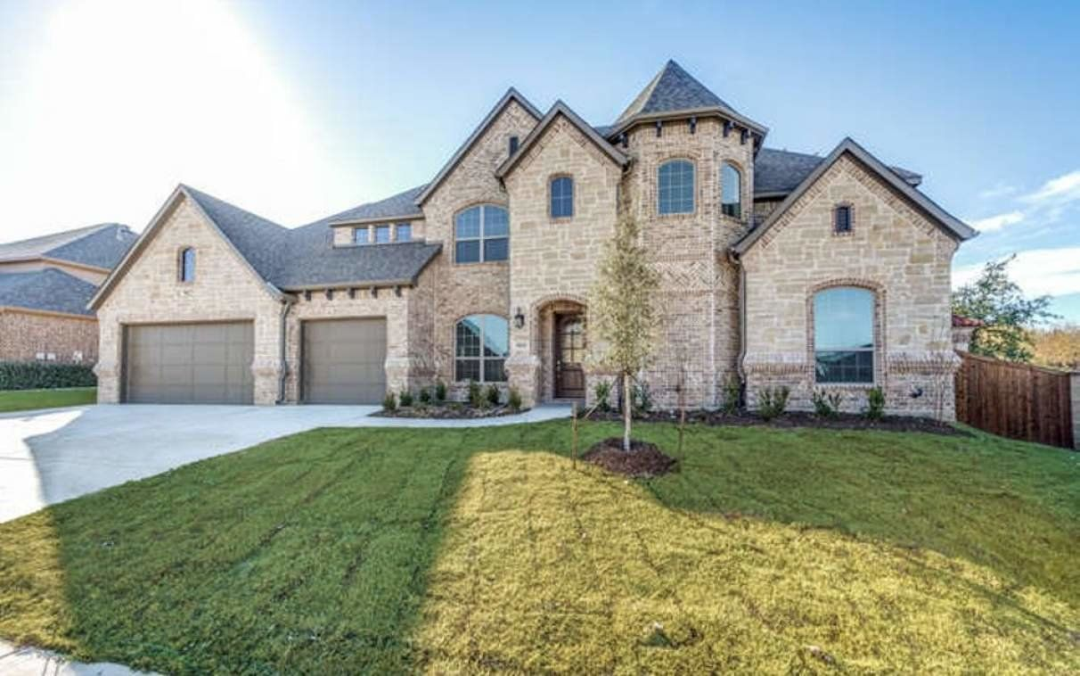 Three car garage home in the Birdville ISD