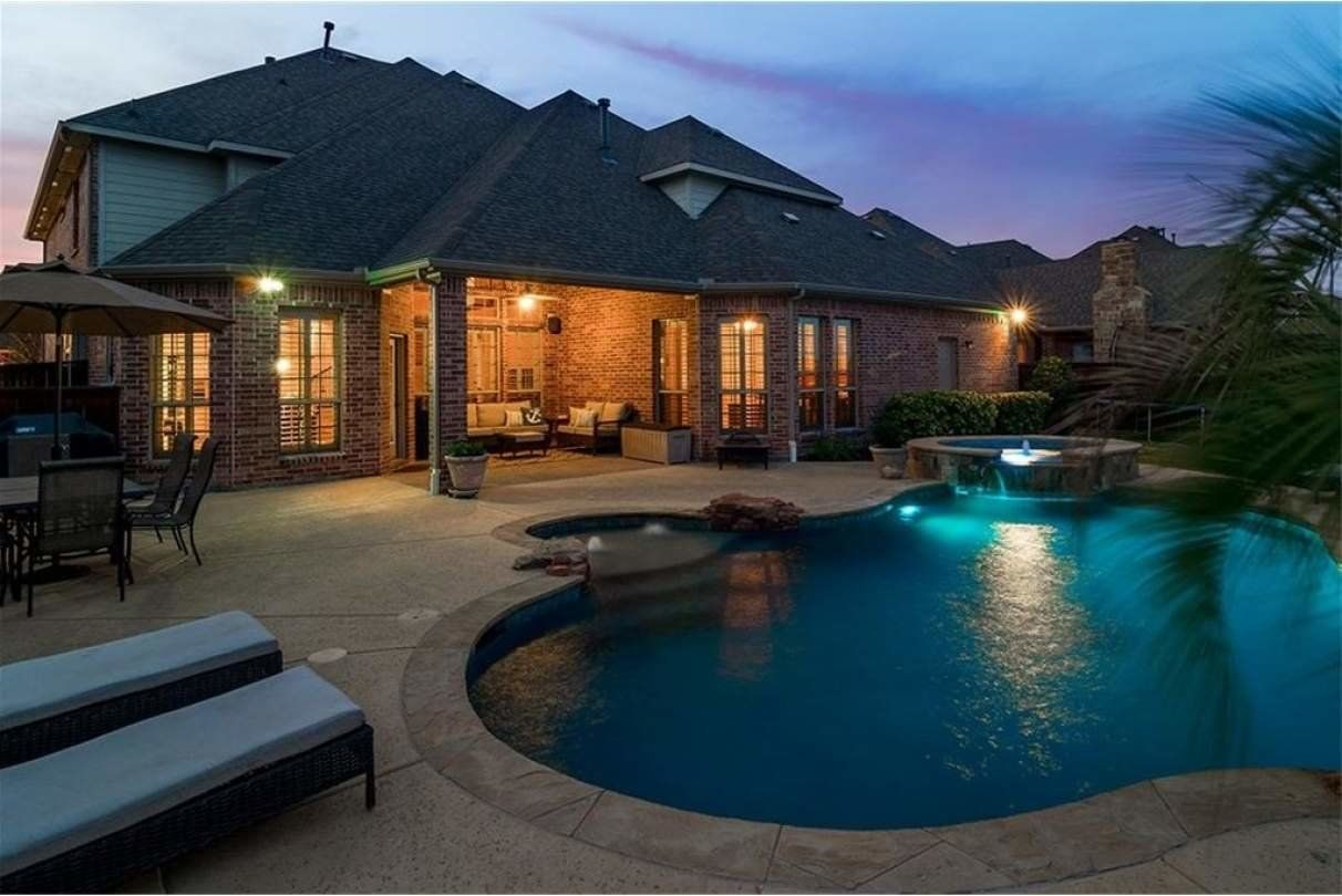 Inground Swimming Pool Home for Sale in Trophy Club TX