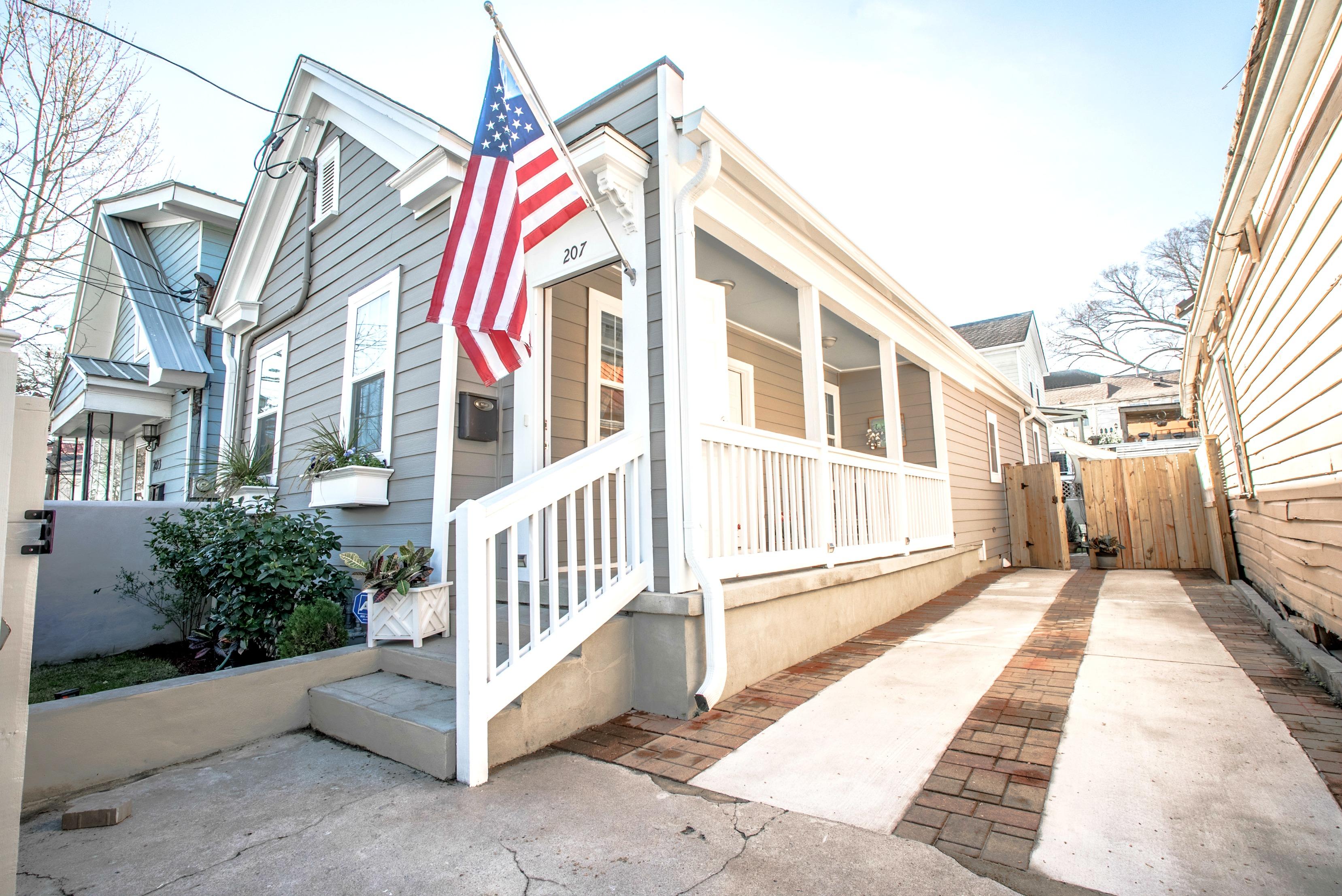 207 Fishburne St. Charleston SC