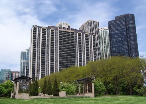 400 E Randolph Condo Building