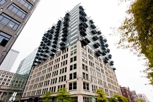 565 West Quincy Condo Building
