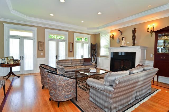 Ravenswood Real Estate