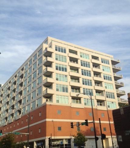 909 West Washingotn Condo Building