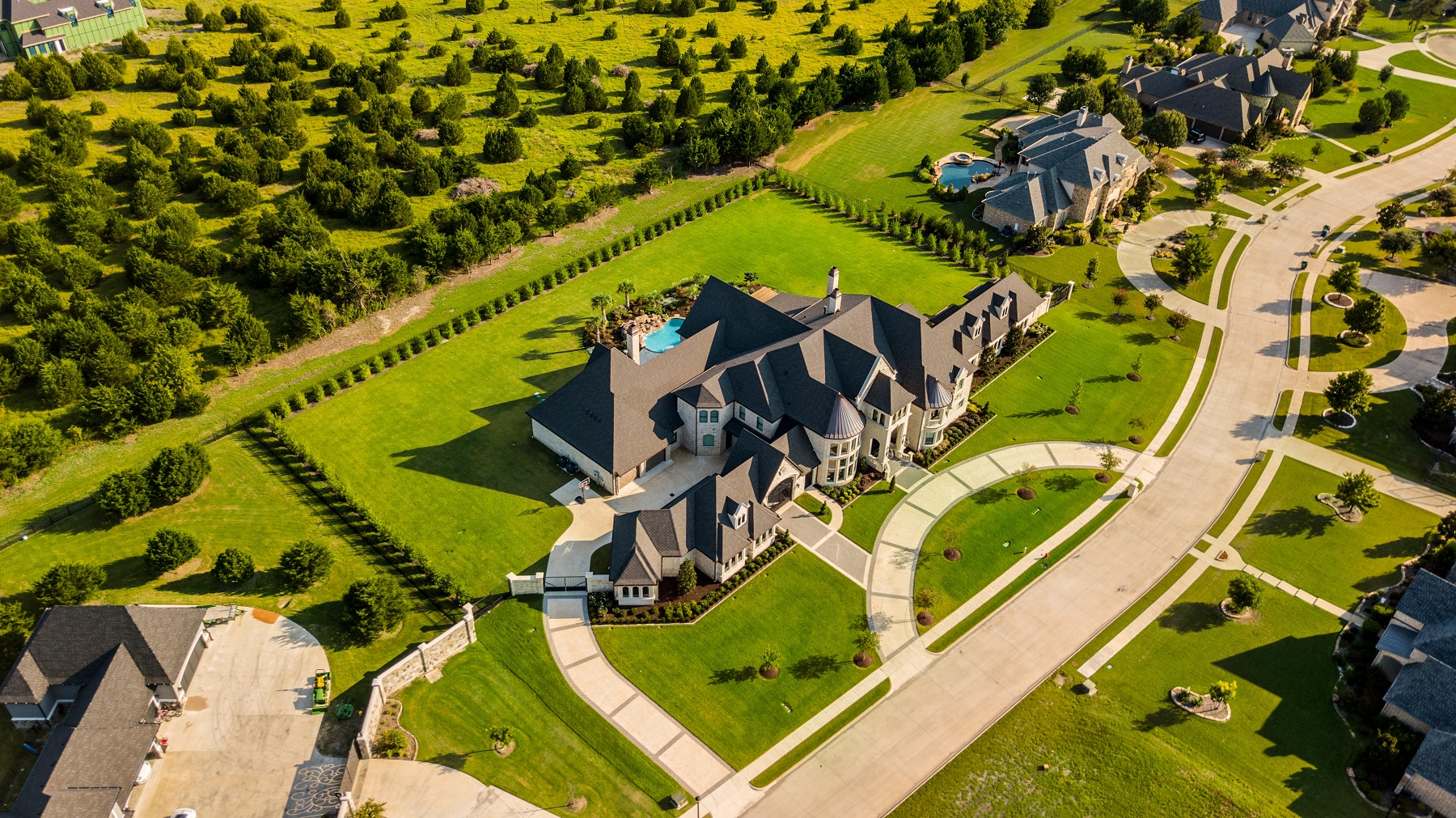 Drone Perspectives Maximize High Value Homes