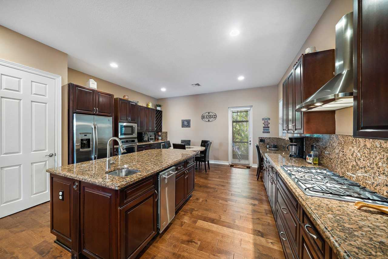 5465 3rd Rd Home for Sale in Lake Worth, FL Kitchen