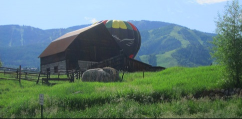 balloon_barn_small_485