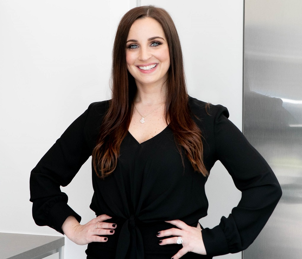 Lisa Caro, Resident Realty