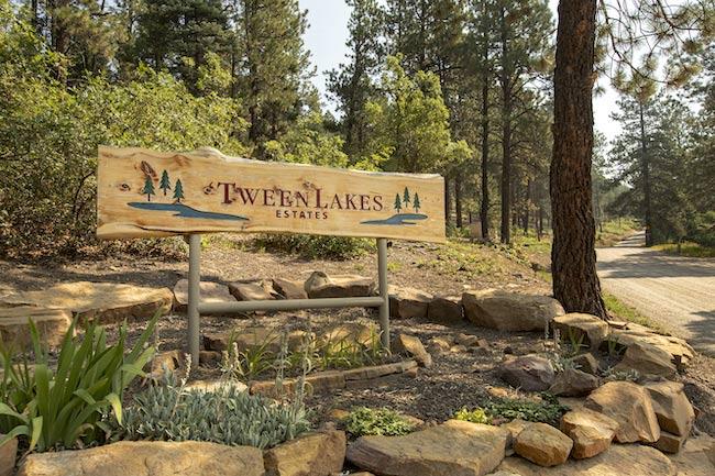 Tween Lakes Estates Sign in Durango Colorado