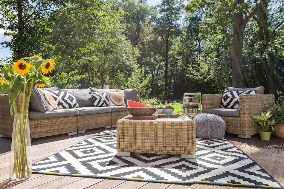 How to Make An Outdoor Living Space