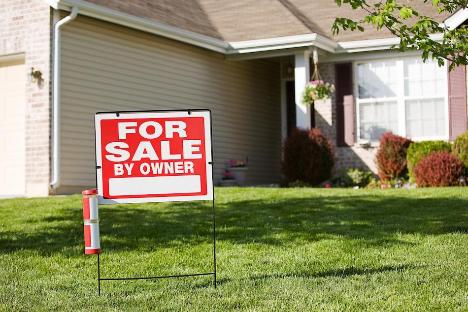 Should You Try To Sell Your House Without a Real Estate Agent?