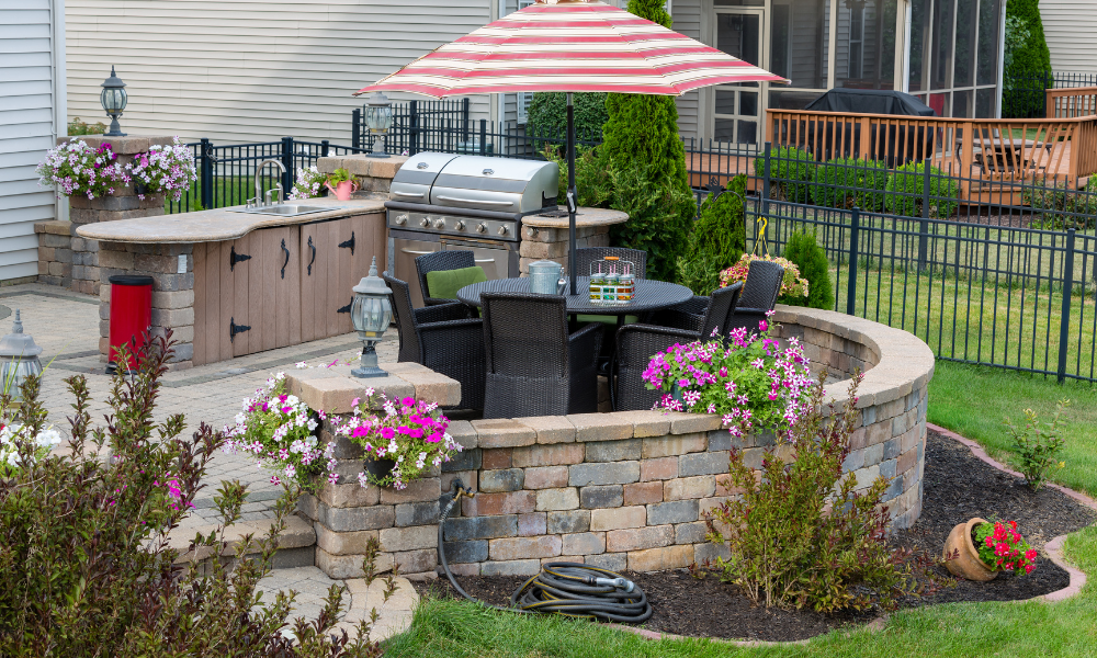 3 Simple Pandemic-Era Updates That Buyers Love Improved Outdoor Living Space