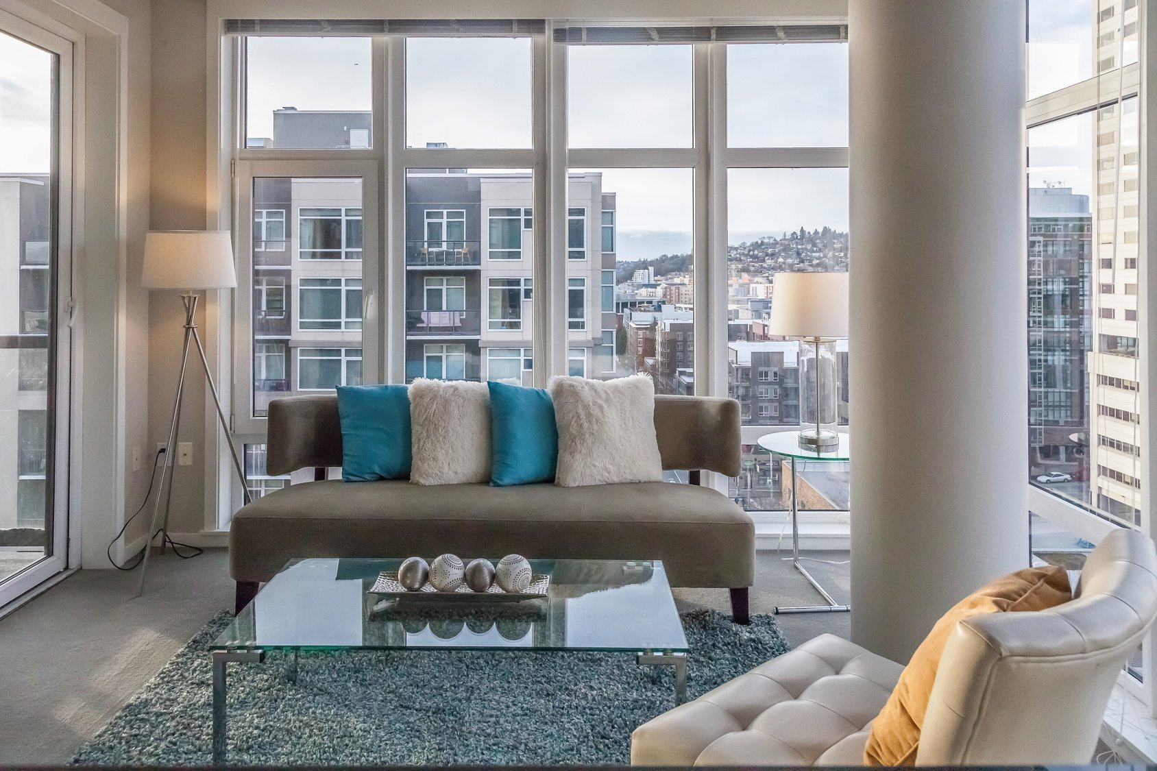 How Buyers Can Choose Between Condos or Single Family Homes