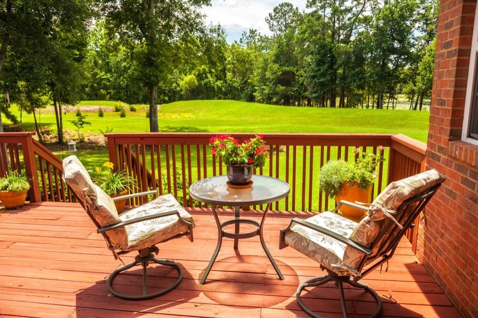What to Know About Installing a Deck