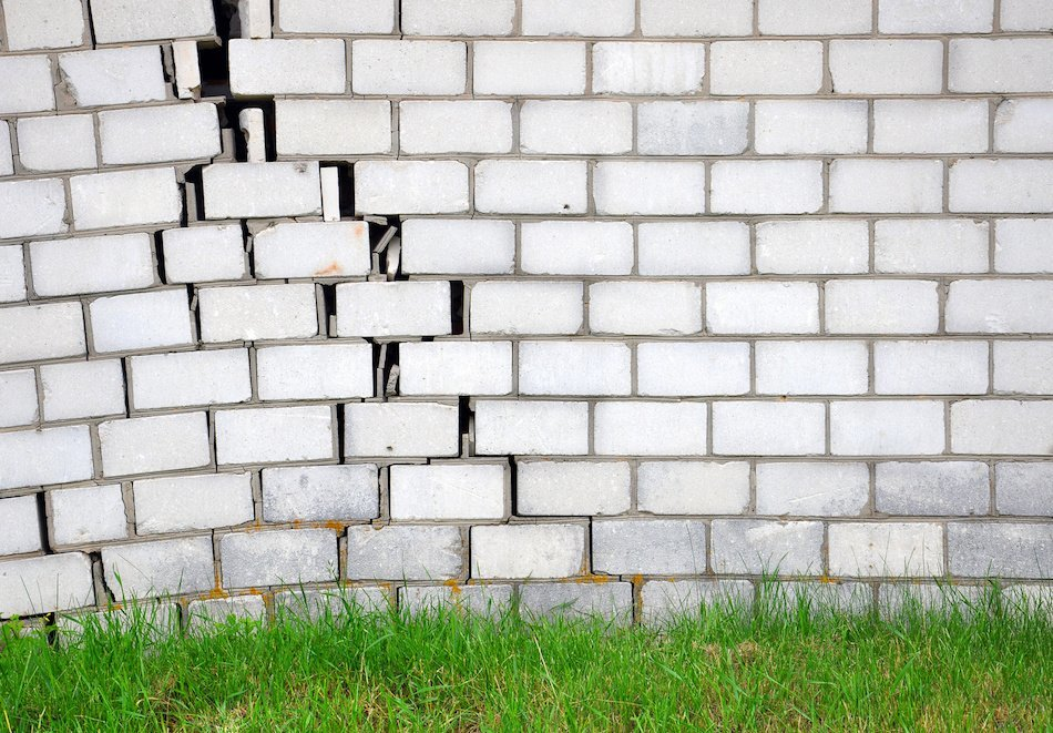 Can You Identify Foundation Problems? These Tips Will Help
