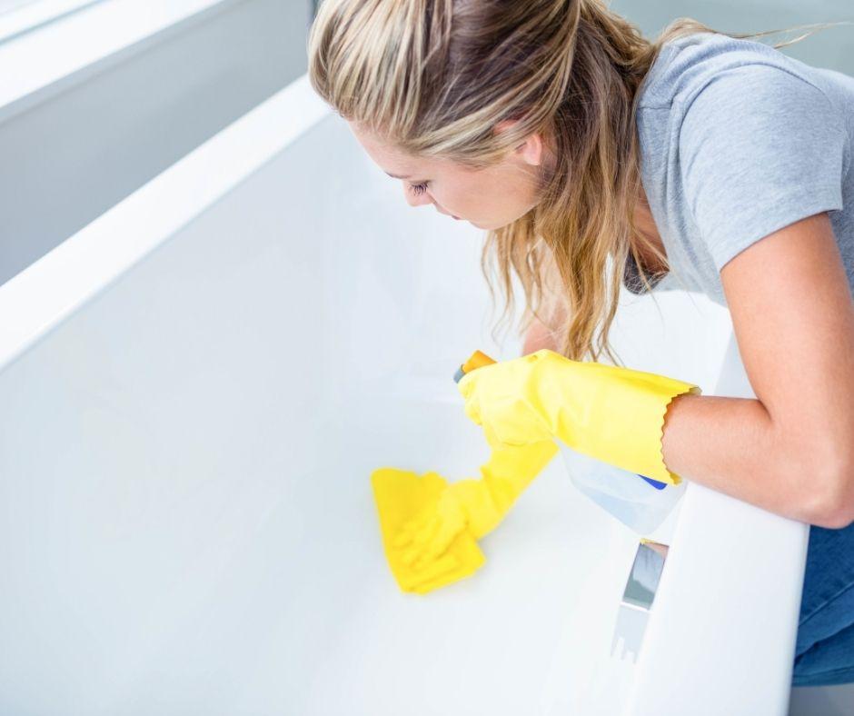 Secrets for Getting a Shiny Clean Bathtub