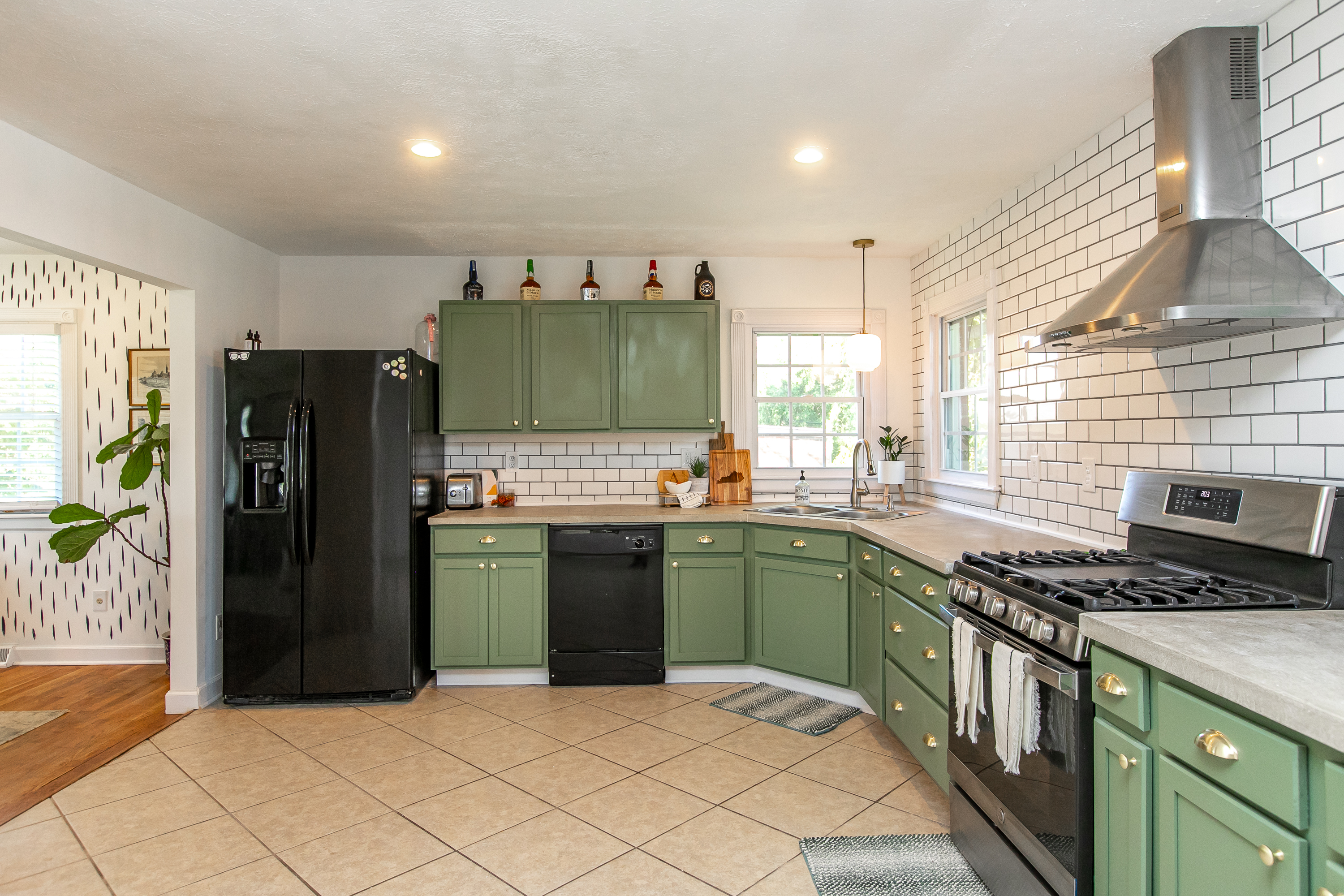 kitchen at 909 lily drive in lexington's gardenside area, ranch on real estate market