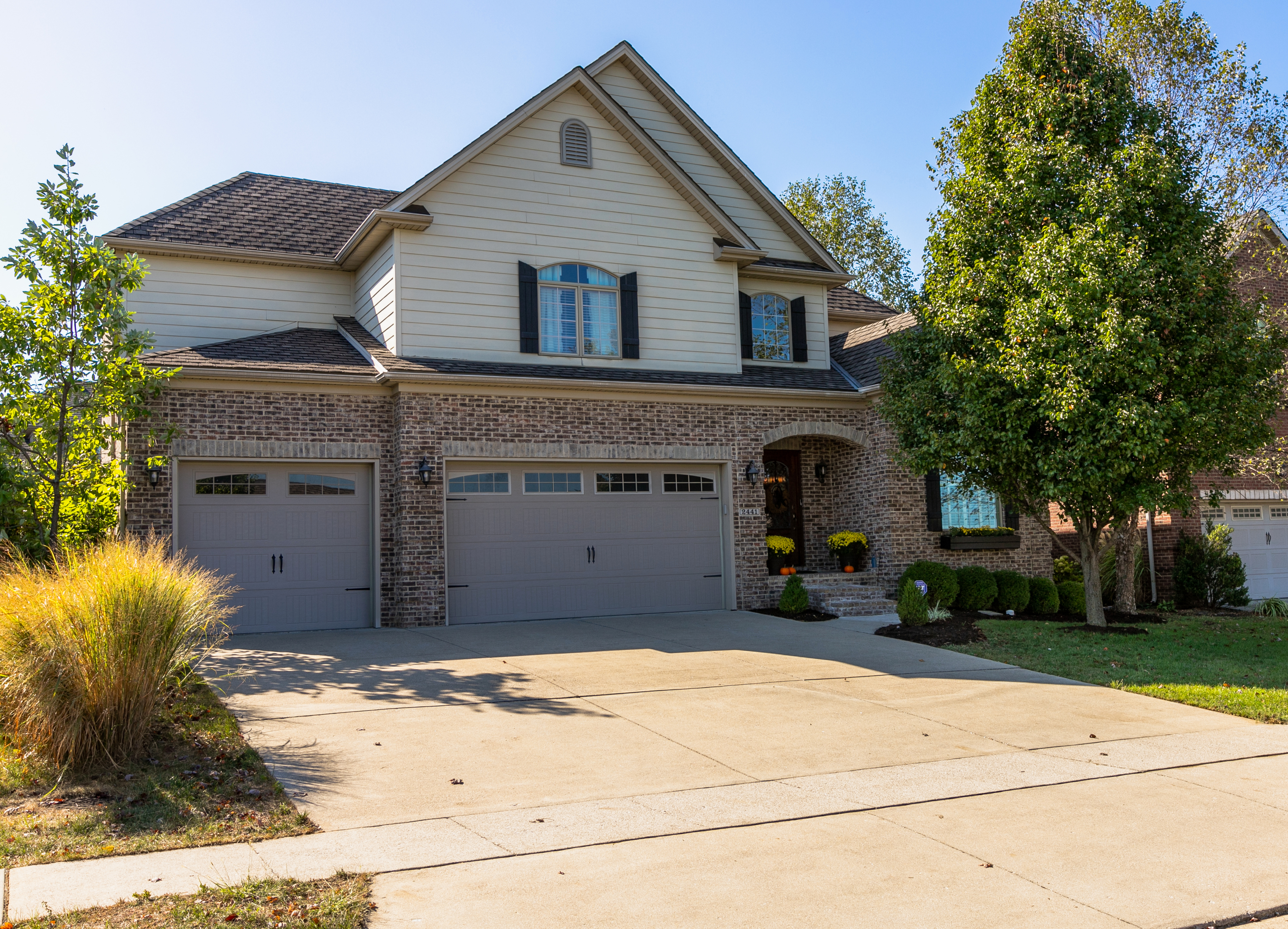 Front picture of 2441 Coroneo Lane in Lexington KY