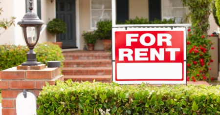 for rent sign in front yard