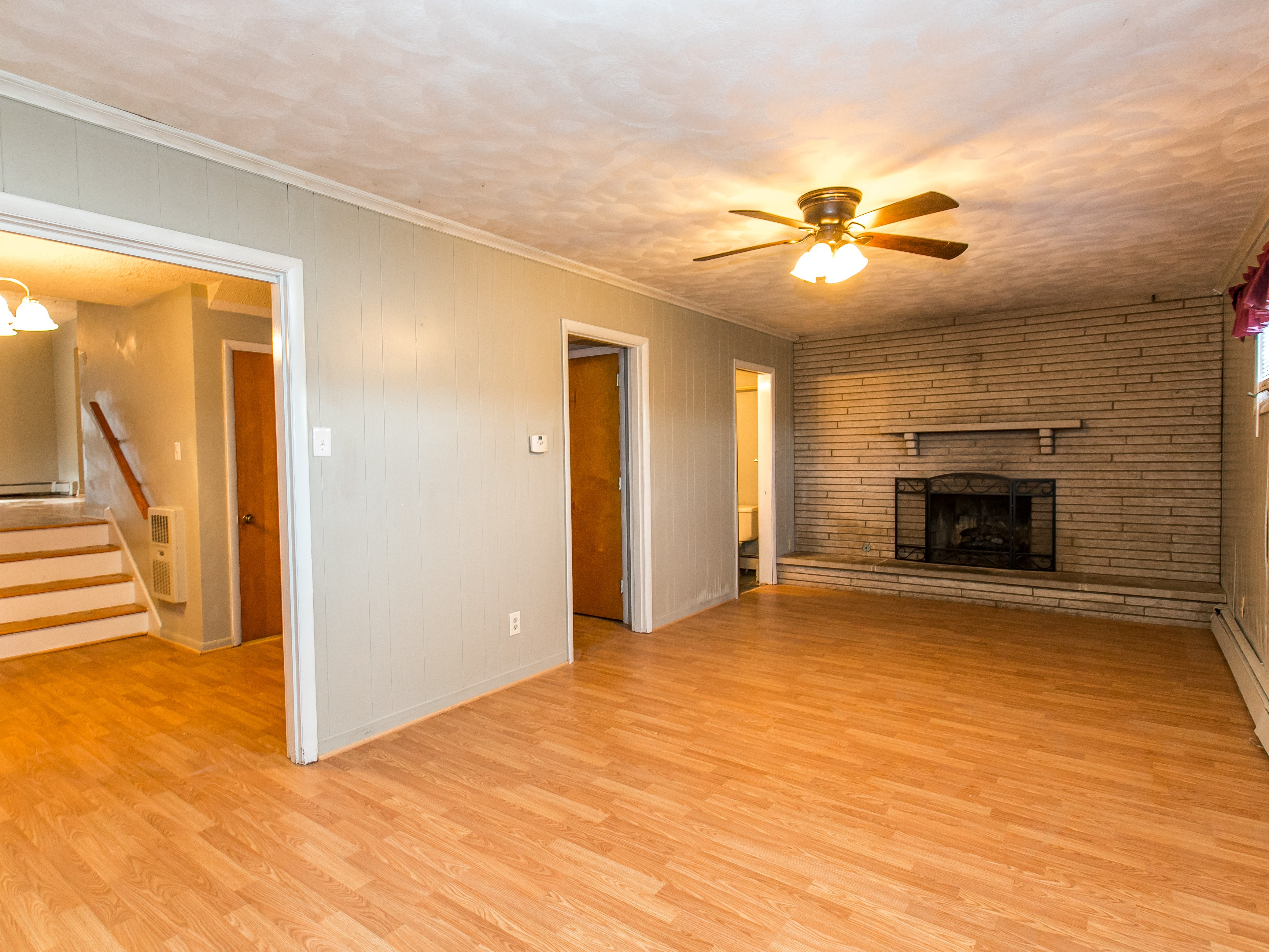 Family Room at 412 Bryanwood Parkway Lexington, KY 40505