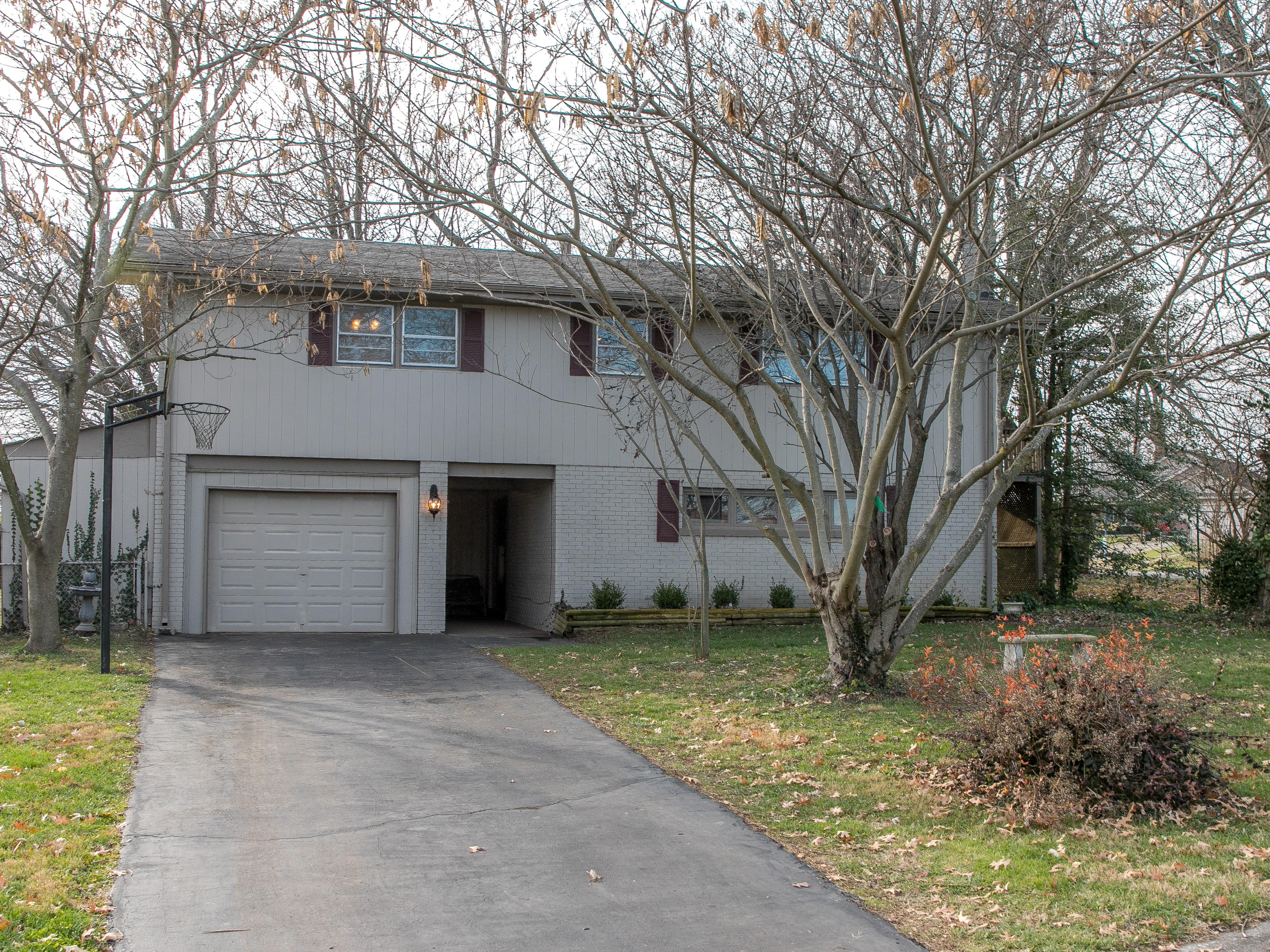 front exterior of 412 Bryanwood Parkway Lexington KY 40505