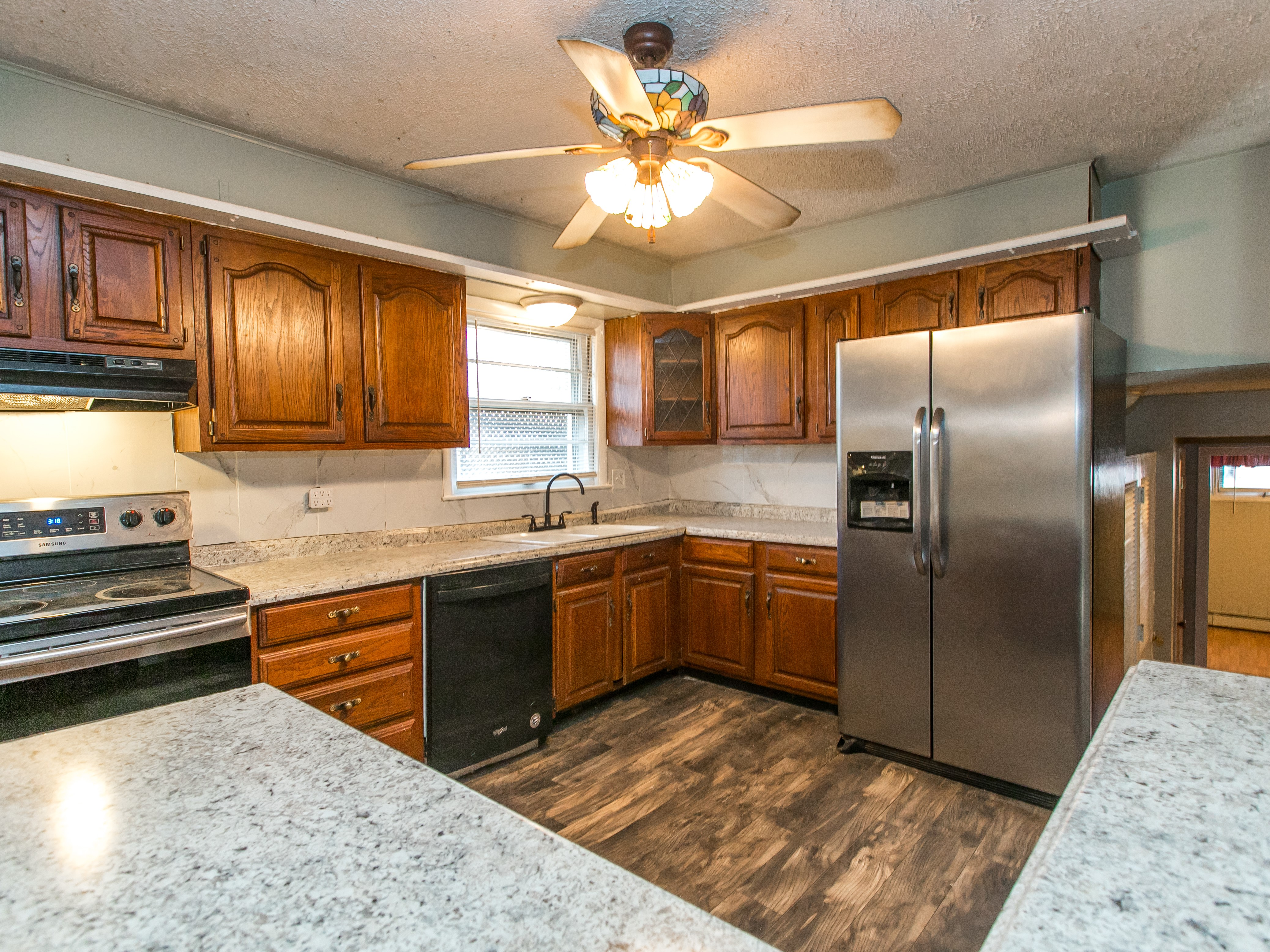 kitchen of 412 Bryanwood Parkway Lexington KY 40505