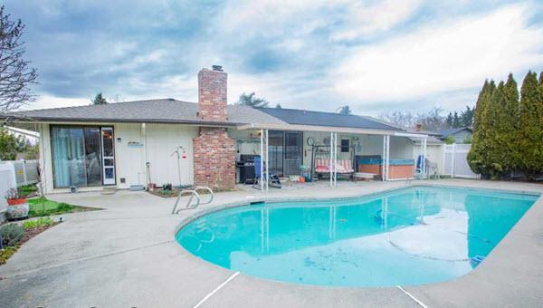 464 Picadilly Circle, Medford, Oregon 97504