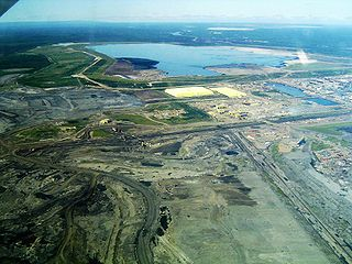 320px-syncrude_mildred_lake_plant_320