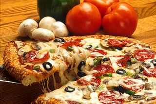 Photo Credit: http://en.wikipedia.org/wiki/File:Supreme_pizza.jpg