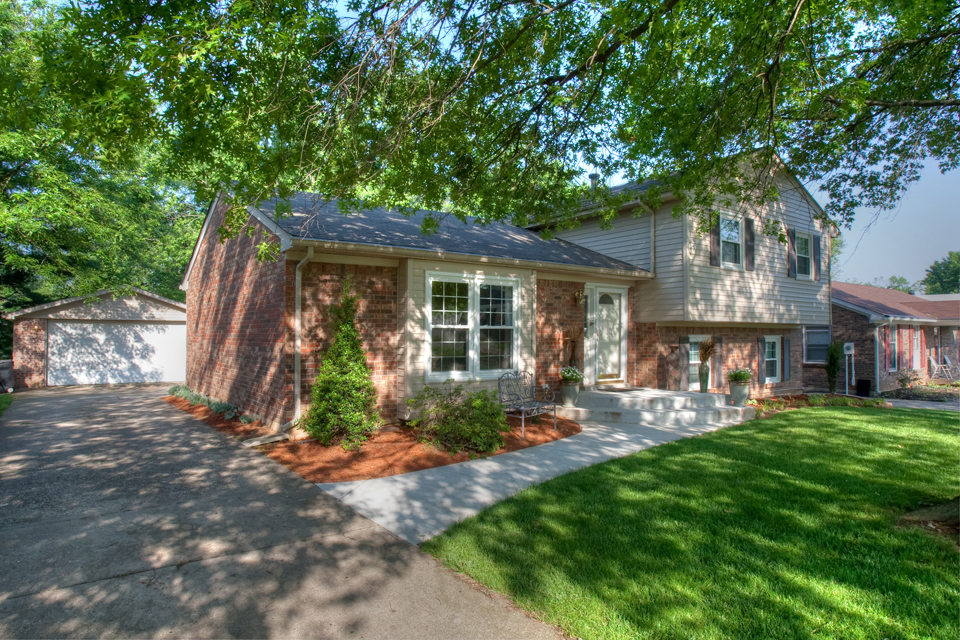 1100 Clerkenwell Road Louisville, KY 40207 Home for Sale