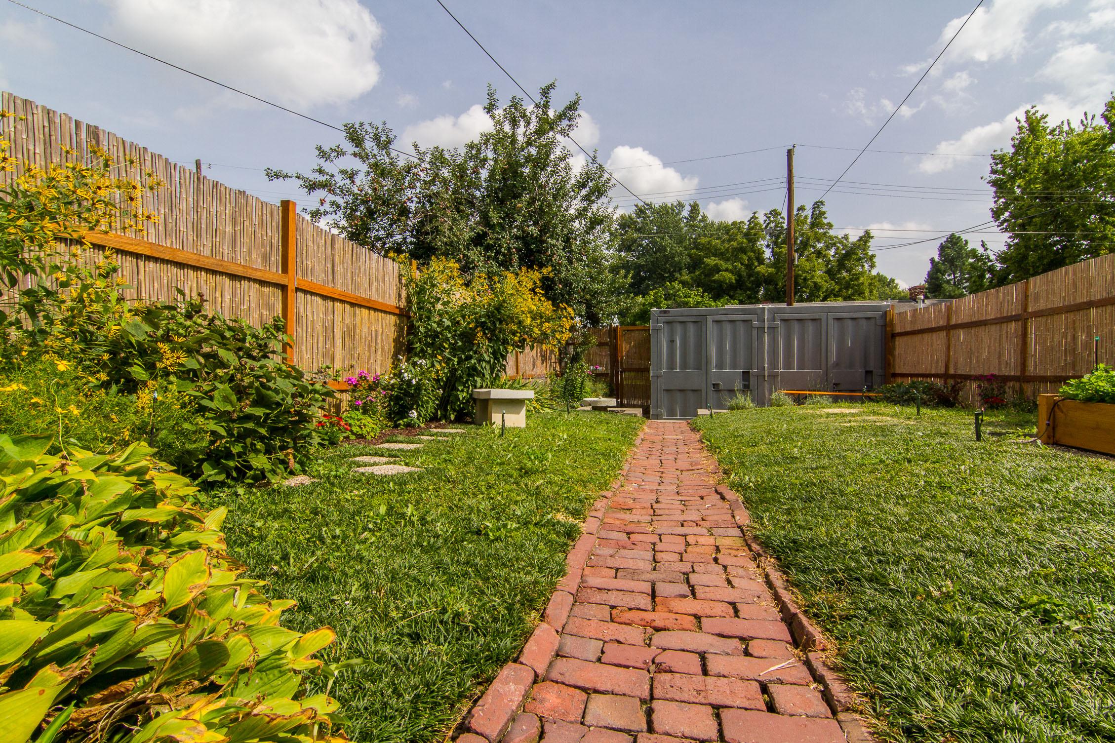 1128 E Breckinridge Street Louisville, KY 40204 Backyard