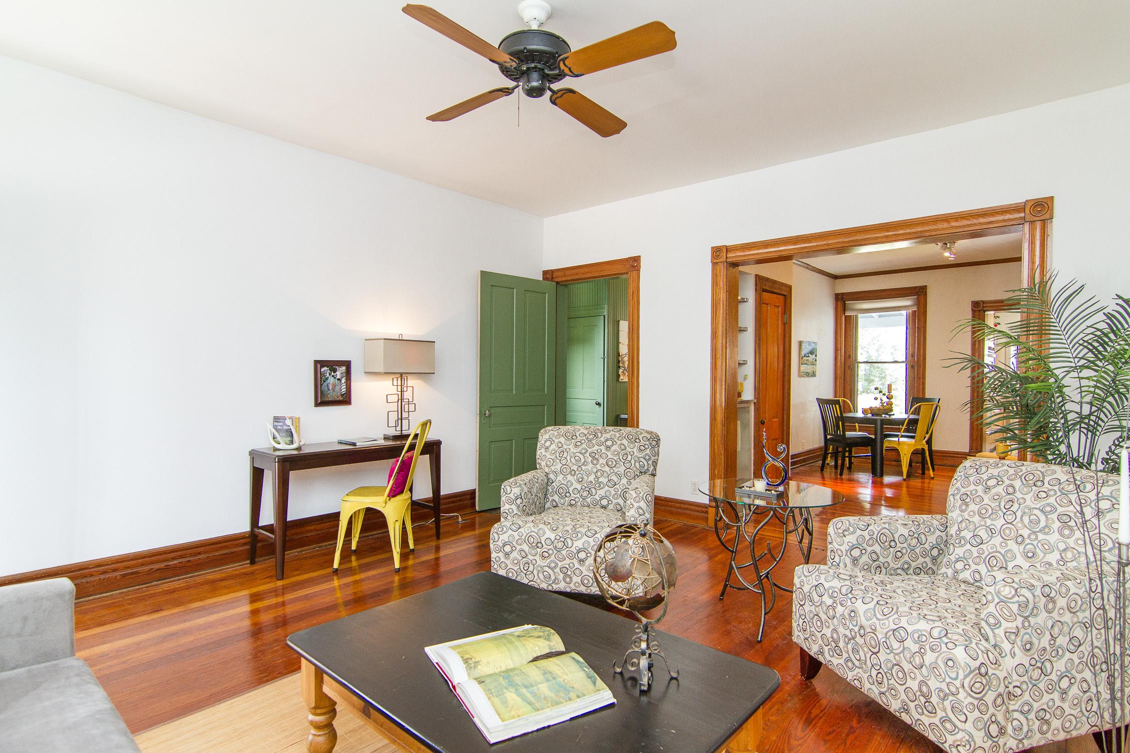 1128 E Breckinridge Street Louisville, KY 40204 Living Room
