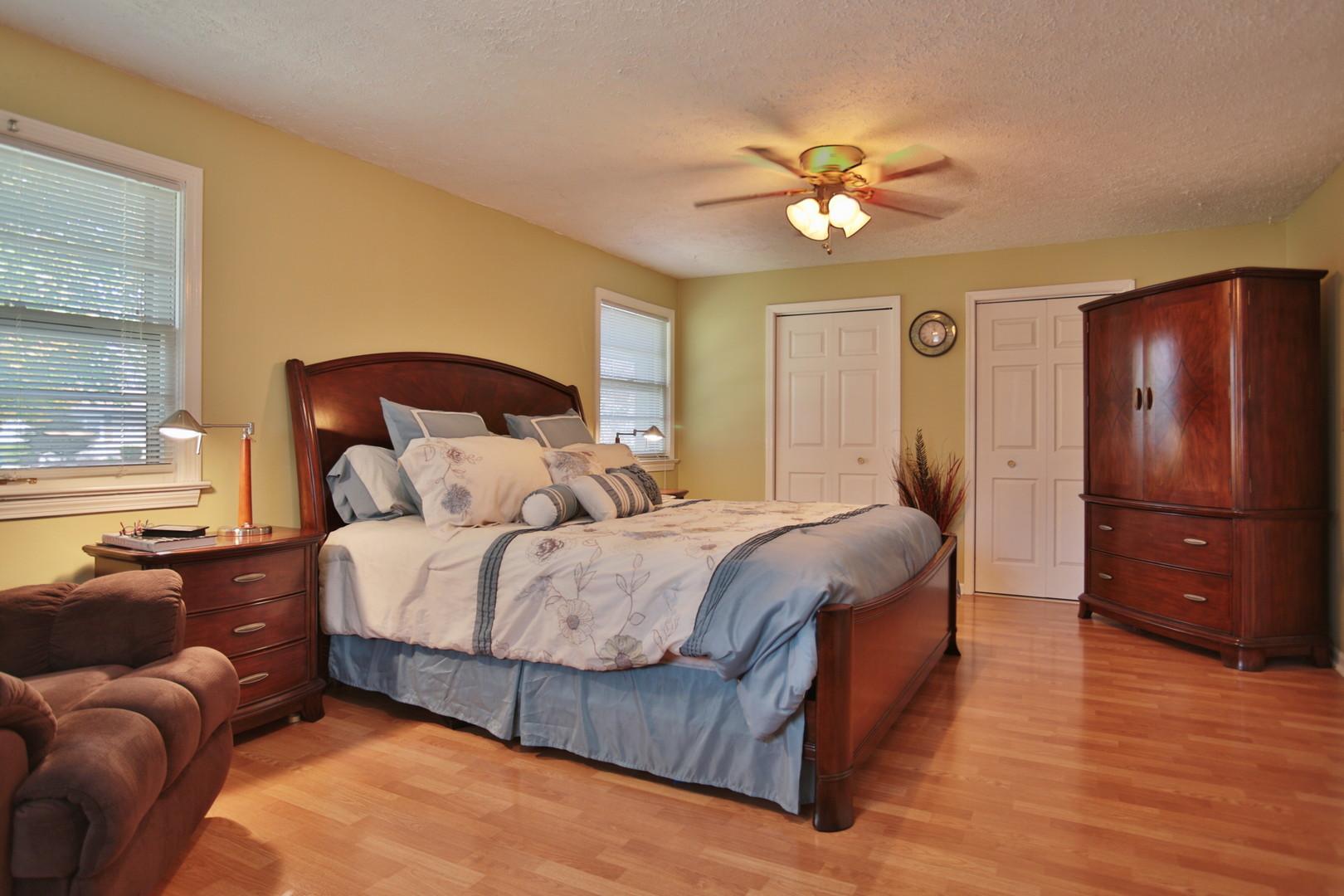 11413 Flowervale Lane Louisville, KY 40272 Bedroom