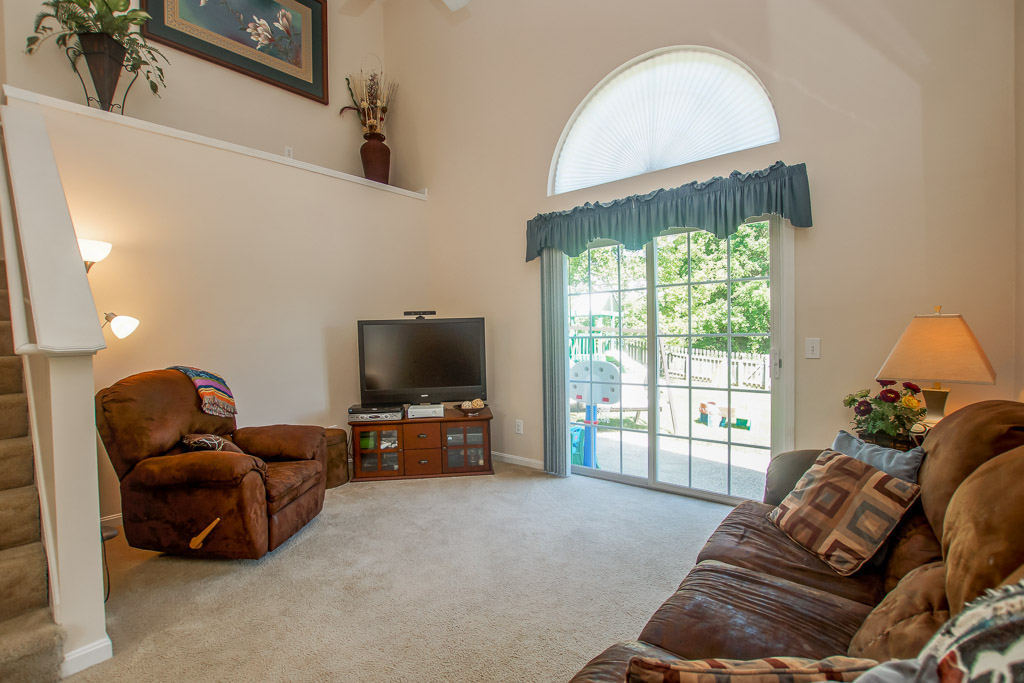 11503 Magnolia View Court Louisville, KY 40299 Great Room