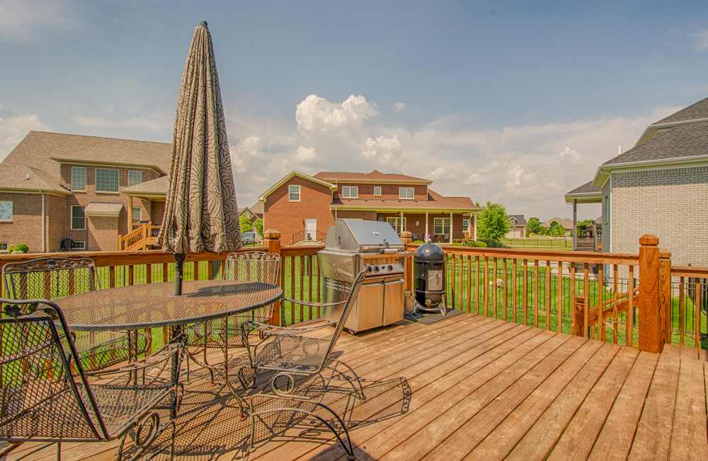 11531 Vista Club Drive Louisville, KY Deck
