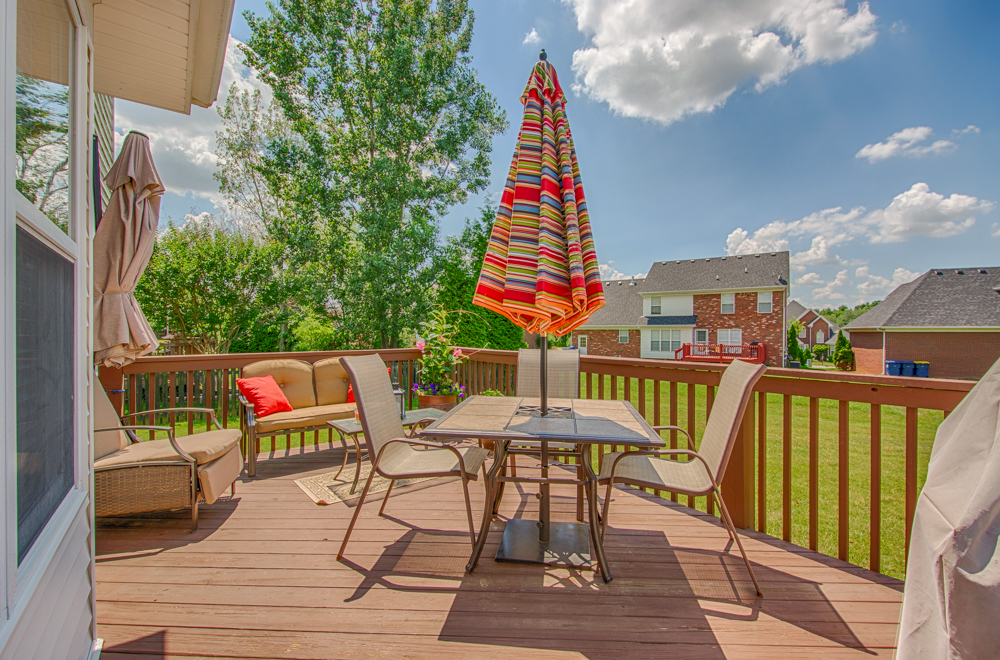 13109 Dogwood Forest Ct. Louisville, KY Deck