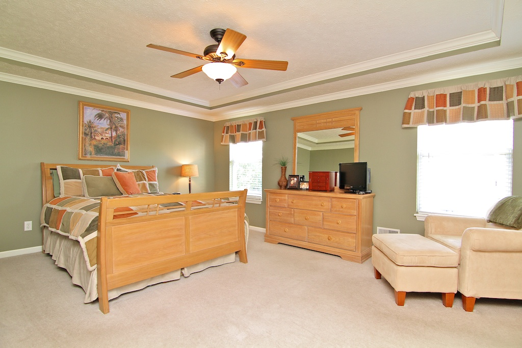 13109 Dogwood Forest Ct. Louisville, KY Master Bedroom