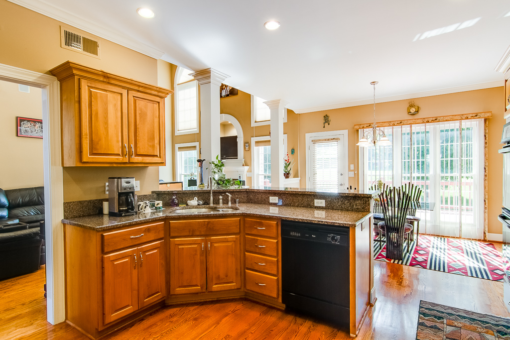 1518 Crosstimbers Drive Louisville, KY Kitchen